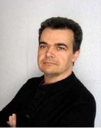Francisco Javier de Haro Morales nace en Córdoba, en cuyo Conservatorio Superior de Música obtiene el Título de Profesor Superior de Canto. - 200px-Francisco_Javier_de_Haro_Morales